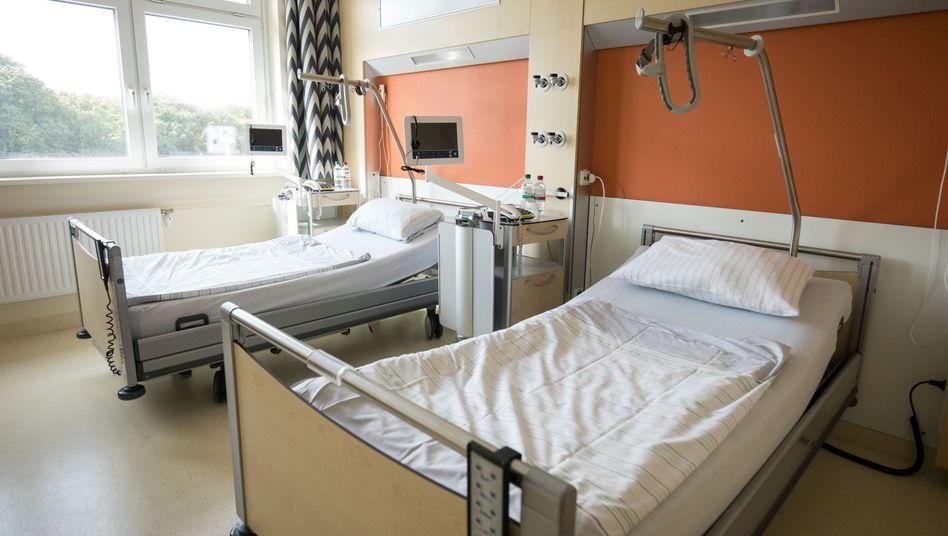 Patientenzimmer in einer Asklepios Klinik: Das Kartellamt hat keine Einwände gegen die Übernahme von Asklepios durch Rhön