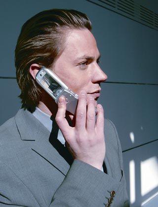 Günstig plaudern: Mobiltelefonate sind im vergangenen Jahr erneut billiger geworden
