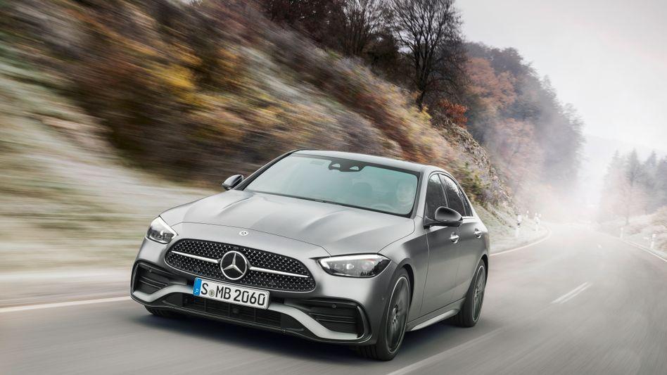 """Große Erwartungen für die Neuauflage: Die sechste Generation der Mercedes-Benz C-Klasse soll die Erfolge des bisherigen """"Brot- und Buttermodells"""" der Schwaben fortführen - mit siebenstelligen Absatzzahlen"""