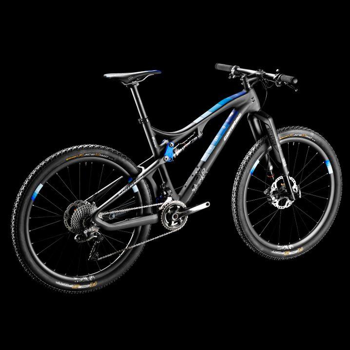 Corratec Inside Link Carbon 10 HZ XTR Di2: Kostet 10.499 Euro, bietet eine rasante Kombination von Bergauf und Bergab.
