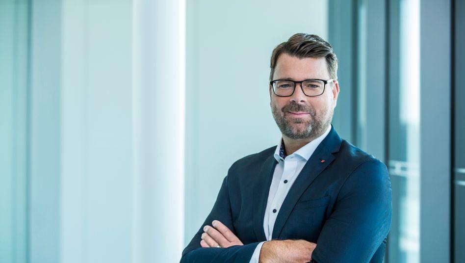 """Oliver Hoffmann: Der Ingenieur wird Entwicklungsvorstand bei Audi und """"brennt bereits ein Drittel seines Lebens für unsere Marke"""", wie ihm Audi-Chef Duesmann bescheinigt"""
