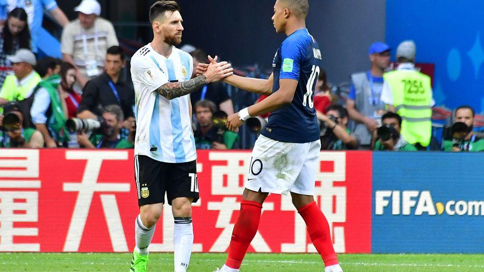 Wachwechsel: Lionel Messi und Kylian Mbappe