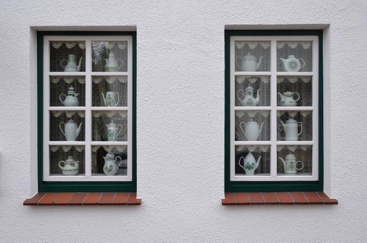 Noch eine Besonderheit von Neustadgödens - dort gibt es ein Kaffeekannenmuseum mit hunderten von Ausstellungsstücken.