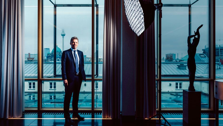 Chef Nummer 22: Christian Sewing hat mit der Strategie der vergangenen Jahrzehnte gebrochen