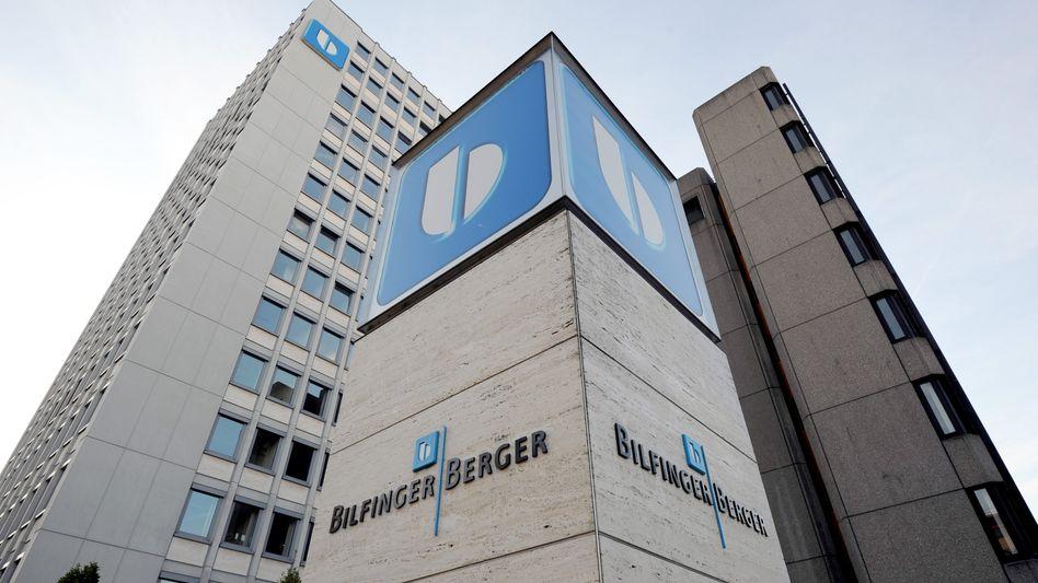 Neuer Vorstandschef: Im März 2011 löst der ehemalige hessische Ministerpräsident Roland Koch Herbert Bodner bei Bilfinger Berger ab