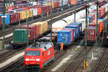 Vorerst freie Fahrt: Nach der Verständigung zwischen Deutscher Bahn und Lokführergewerkschaft wird es vorläufig keine Streiks geben