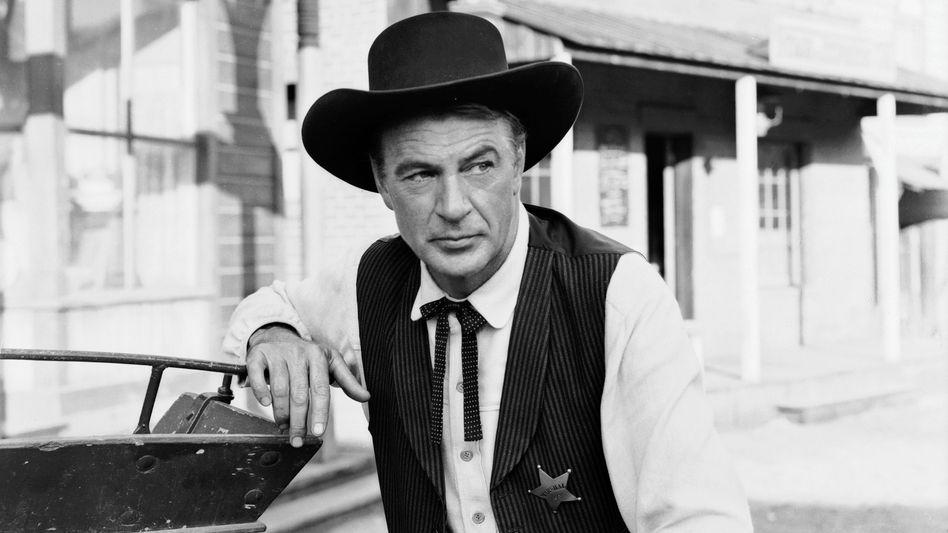 """Klassischer Sheriff: Gary Cooper in """"High Noon"""", 1952."""