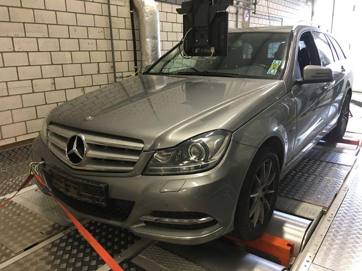 Die Abgase eines Mercedes C-Klasse-Diesels sind schmutziger als beworben - deshalb klagt die Umwelthilfe