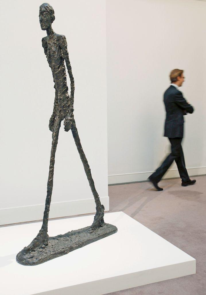 """""""L'homme qui marche I"""": Die Figur von Alberto Giacometti wurde 2010 in London für 65 Millionen Pfund versteigert - seinerzeit ein Autkions-Weltrekord"""