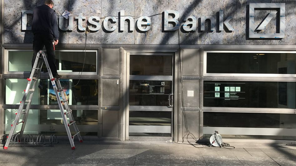 Deutsche-Bank-Filiale in Berlin: 200 bis 300 Standorte sollen in den nächsten drei Jahren geschlossen werden