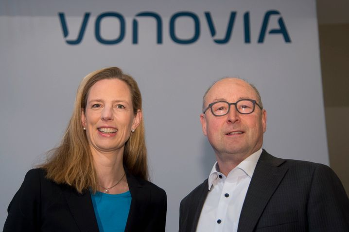 Überraschendes Ende: Helene von Roeder und Rolf Buch müssen sich fragen lassen, ob sie genug für ihren Deal gemacht haben