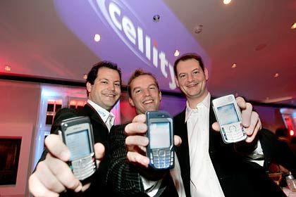 """""""Tune your Phone"""": Die Cellity-Vorstandsmitglieder Törne, Weitemeyer und Weber (v.l.) wollen den Mobilfunkmarkt aufmischen"""