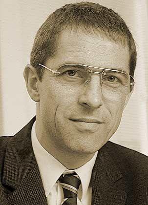 """Heinrich Seeger ist Chefredakteur des monatlich erscheinenden IT-Wirtschaftsmagazins """"CIO - IT-Strategie für Manager"""""""