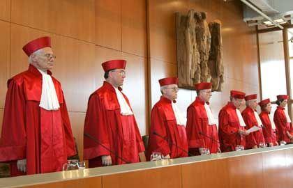 Sie entscheiden: Der zuständige 2. Senat des Verfassungsgerichts
