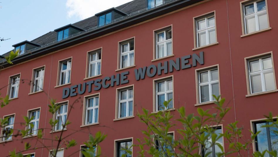 Zentrale der Deutsche Wohnen in Berlin: Vonovia-Chef Rolf Buch will die beiden Vermieter unbedingt verschmelzen