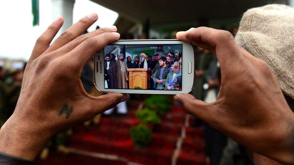 Taliban: Twitter und Facebook als Nachrichten- und Propagandakanal