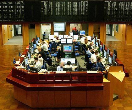 Börse Frankfurt am Main: Gegen den schwächeren Börsentrend gewannen heute vor allem MAN-Aktien an Wert hinzu