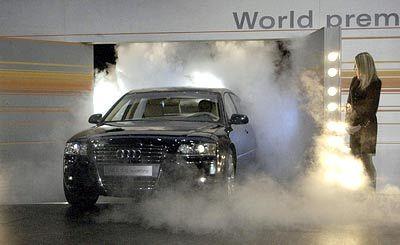 Wie die Etikette verlangt: Audi komplettiert die Spitzenmodellreihe A8 mit einem 12-Zylinder