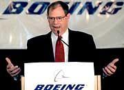 Boeing-Chef Phil Condit sieht schwarz für die US-Fluggesellschaften.