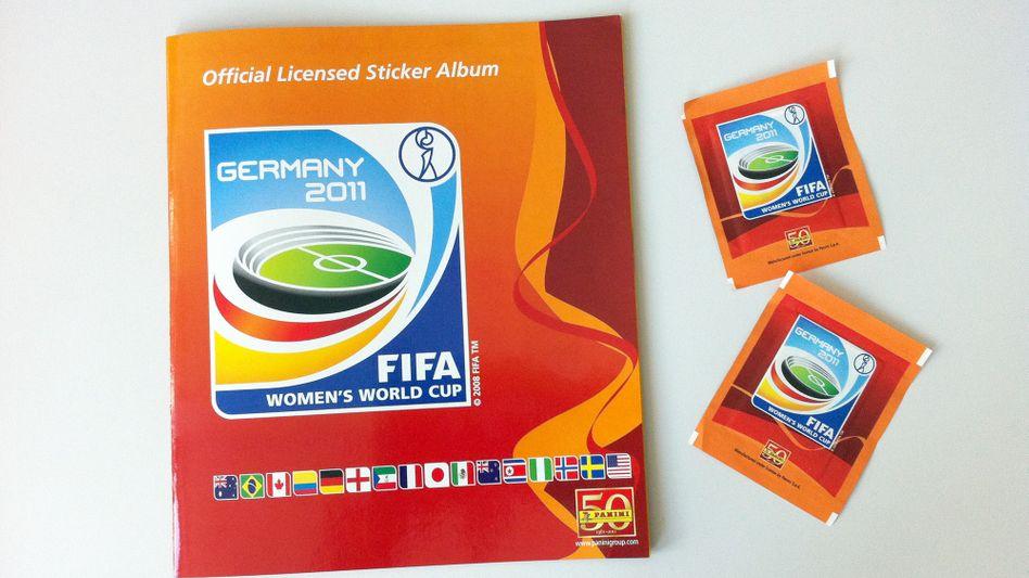 Rewe-Sammelbilder: Im Sommer verteilte der Konzern an seinen Kassen Sammelbilder für die Frauenfußball-Weltmeisterschaft