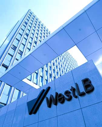 Vorstand unter Druck:Zentrale der WestLB