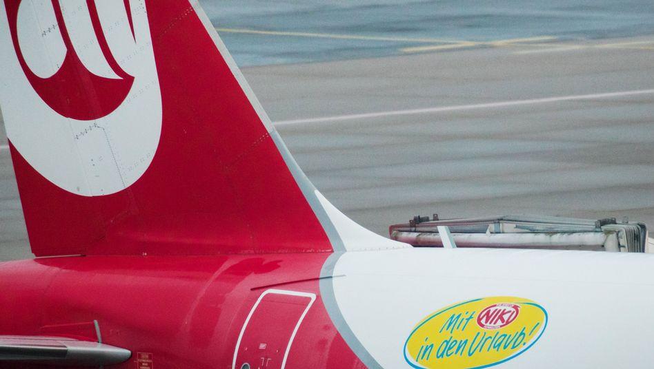 Die Lufthansa steigt aus, ein neuer Käufer für Niki ist nicht in Sicht. Für Niki bedeutet das die Insolvenz - und der Steuerzahler zahlt drauf