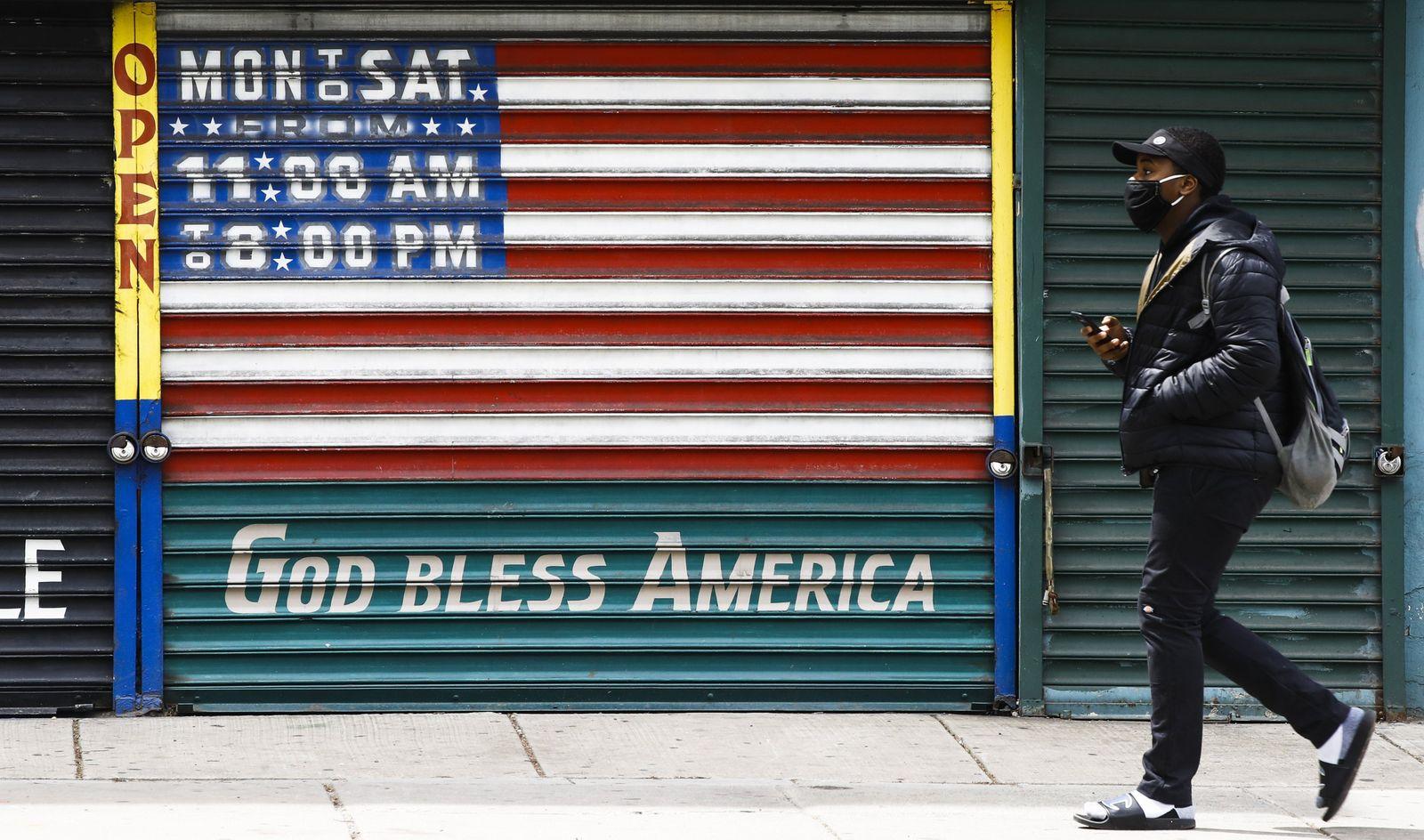 US-Arbeitsmarkt / Mann / US Flagge