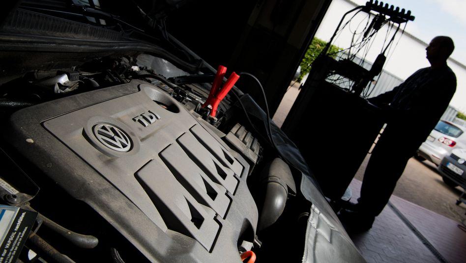 Software-Update für VW-Golf: Volkswagen muss ab September auf den neuen Abgas-Teststandart WLTP umstellen