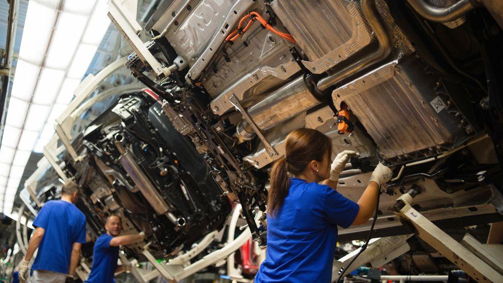 Mitarbeiterzufriedenheit: Audi, BMW, Daimler und Volkswagen im Vergleich