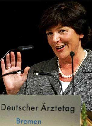 Ulla Schmidt: Die Gesundheitsministerin bringt mit ihrem Vorschlag CDU-Chefin Merkel in Bedrängnis