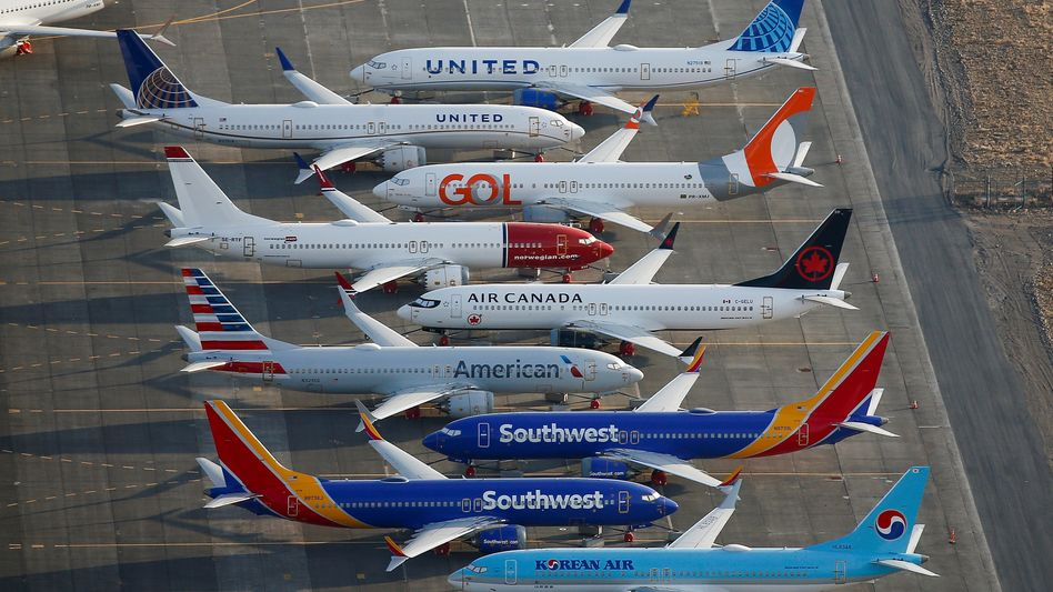 737 Max Maschinen auf einem Parkplatz bei Washington: Kaum zurück in der Luft, pausiert der Betrieb wieder