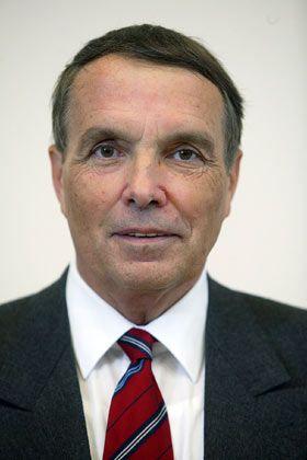 Kritischer Prüfer: Professor Reinhart Schmidt aus Halle