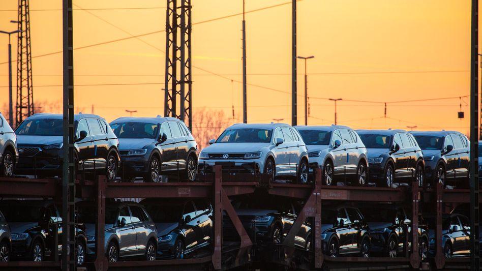 Wieder mehr Autos verkauft: Der weltweite Pkw-Absatz legte laut Studie im Jahresvergleich um 15 Prozent zu