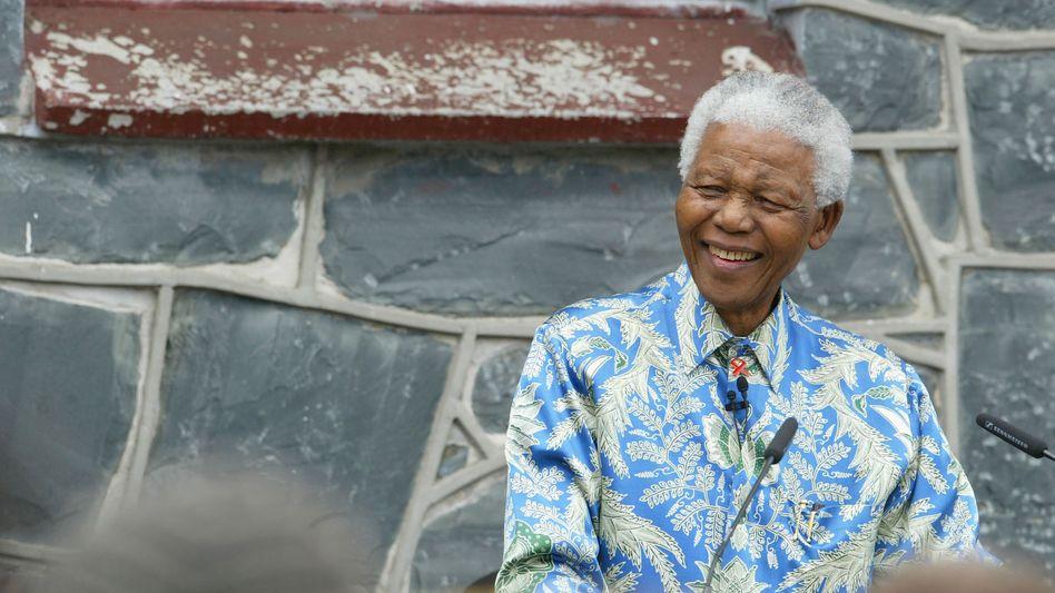 Nelson Mandela: Das neue Modelabel heißt 46664 - genauso wie seine Aids-Stiftung der ein Teil der Einnahmen zugute kommen soll