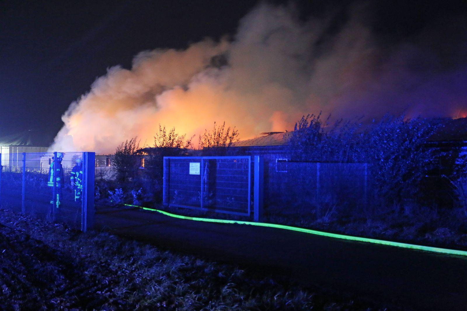 Feuer in Schweinemastanlage in Niedersachsen