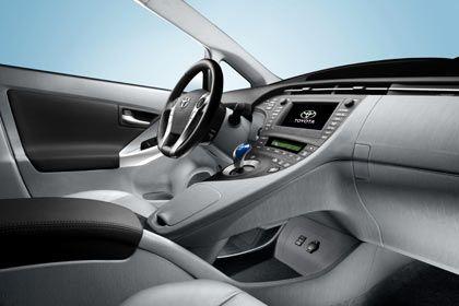 Futurismus in Grau: Das schnittige Cockpit des Prius
