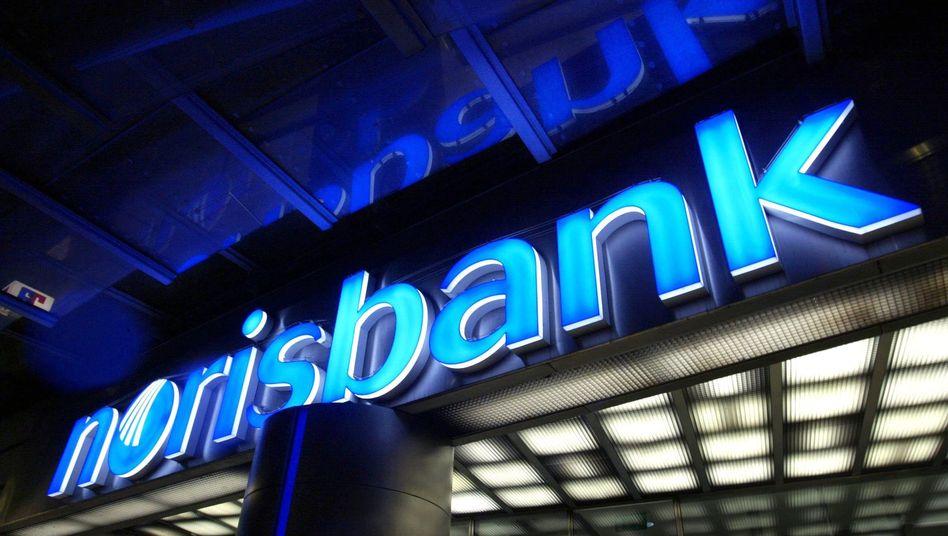 In Zukunft nur noch im Internet: Die Deutsche Bank baut ihr Privatkundengeschäft weiter um und will die rund 100 Filialen der Norisbank schließen