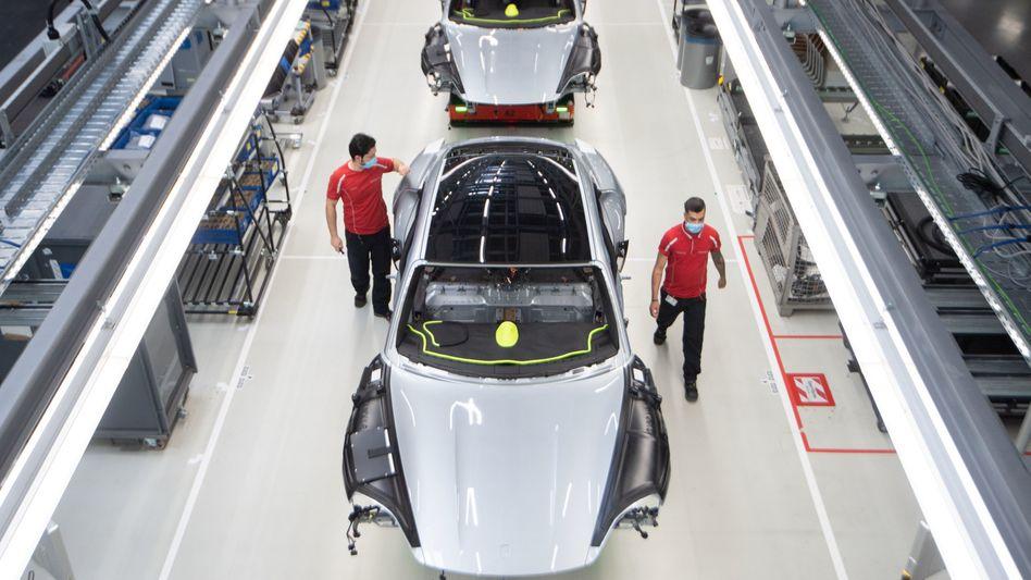 Ertragsperle: Produktion des Elektrorenners Porsche Taycan in Stuttgart