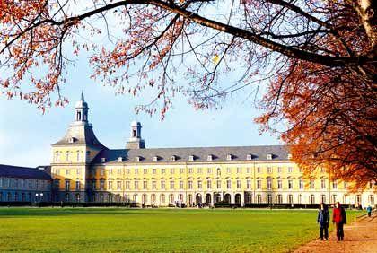 Universität Bonn: Rund 30.000 Studenten sind an dem Forschungsinstitut eingeschrieben