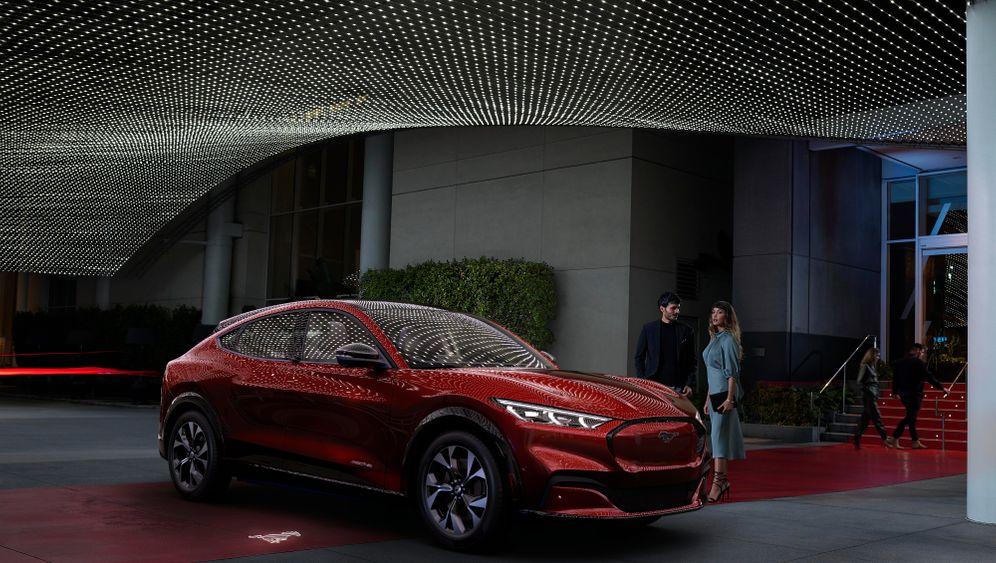 Elektro-SUV Ford Mustang Mach-E: Dieser Ford soll Teslas Model Y davongaloppieren