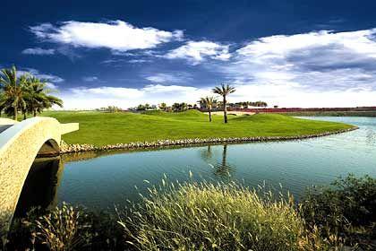 Grüner Luxus in der Wüste: Golfplatz in Dubai