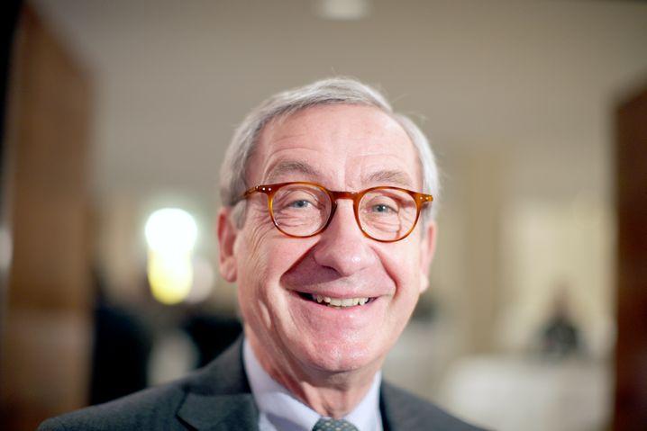 Hat gut Lachen: Auch Ulrich Lehner, geboren 1946, ist doppelter ARV - nämlich bei der Telekom und bei Thyssen Krupp