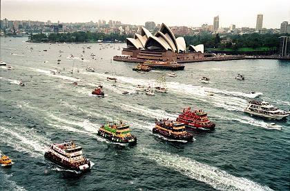 Wettstreit vor spektakulärer Kulisse: Das Rennen der Hafenfähren gehört zu den Höhepunkten des Australia Day in Sydney