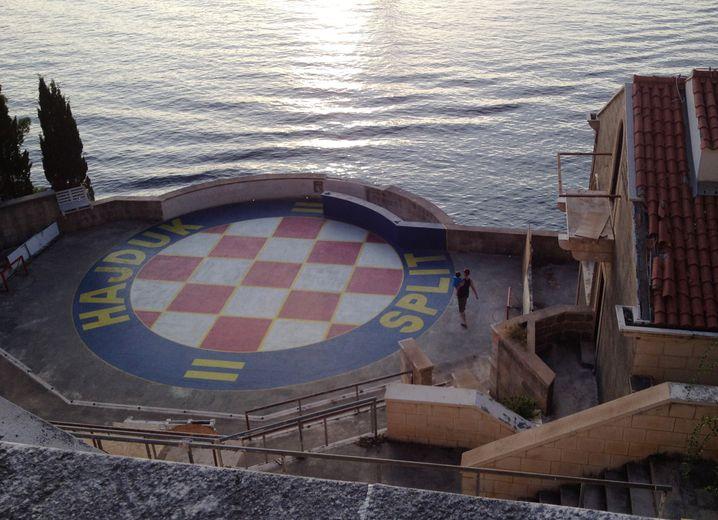 Die Bühne des stillgelegten Hotels Belvedere