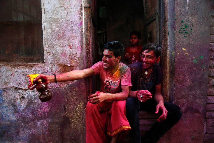 Wer selbst aktiv ist, hat mehr Spaß - das gilt fürs Holi-Fest wie fürs Berufsleben