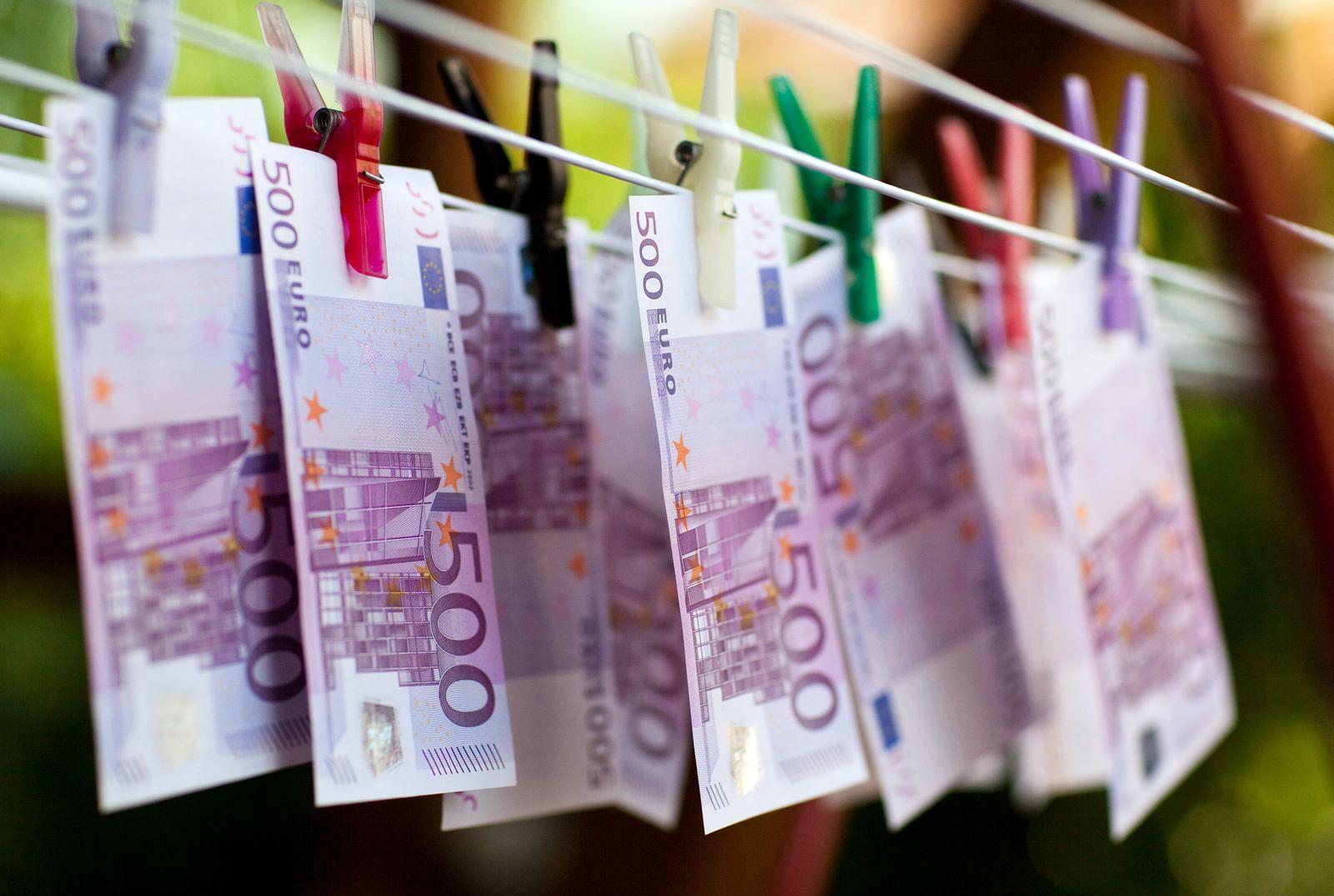 KaSP Geldwäsche Euro Wäscheklammer SYMBOLBILD