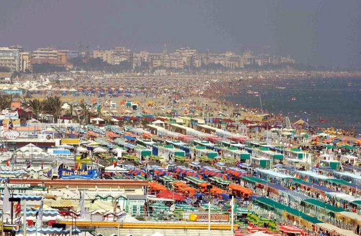 Strandleben in Italien: Hauptsache entspannt? Fast scheint es so - auch beim Blick auf die Regelungen der Erbschaftsteuer
