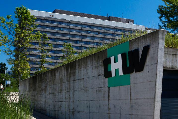 In der Schweiz ist erstmals eine mit dem Coronavirus infizierte Patientin gestorben