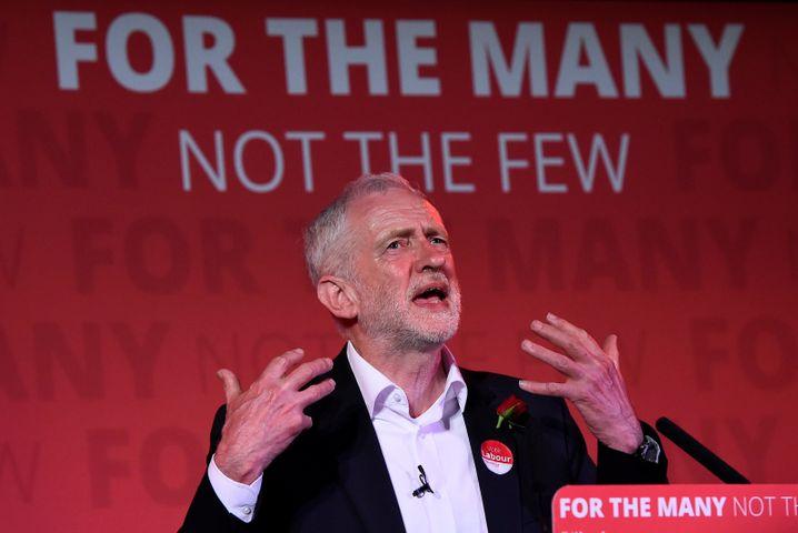 """Jeremy Corbyn: Auch der Labour-Chef kündigte an, er sei bereit """"Verhandlungen im Namen des Landes zu führen"""". Der 68-Jährige wäre ebenfalls auf Koalitionspartner angewiesen"""