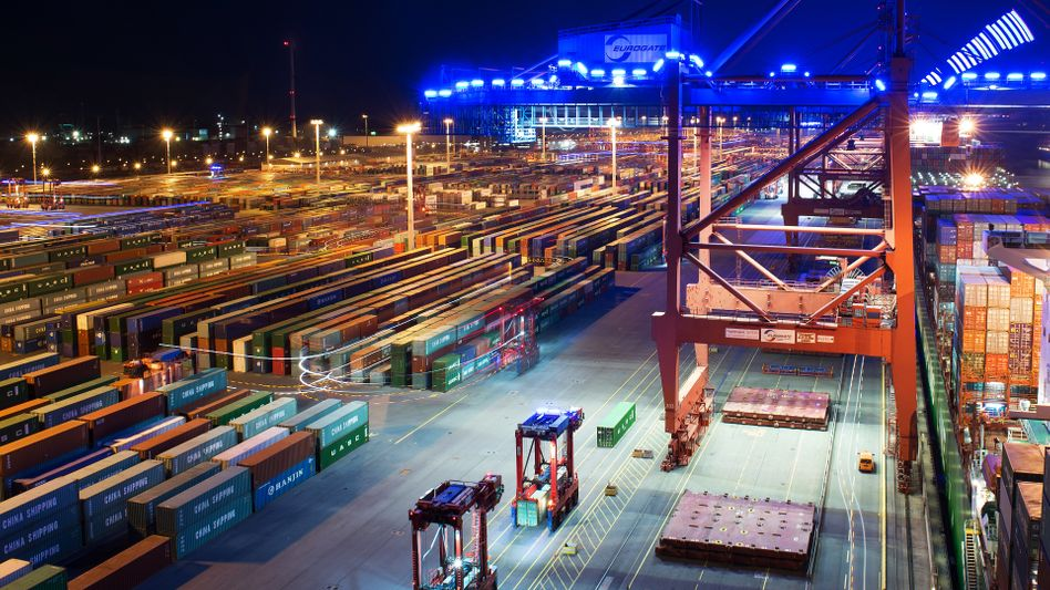 Hamburger Hafen: Deutschland erzielte 2017 mit 287 Milliarden Dollar weltweit den größten Überschuss in der Handelsbilanz - mehr als doppelt so viel wie China